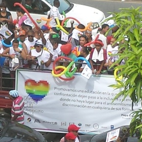 Posts from the Dominican Republic: At the Annual Caravana Orgullo GLBT (Pride Parade)